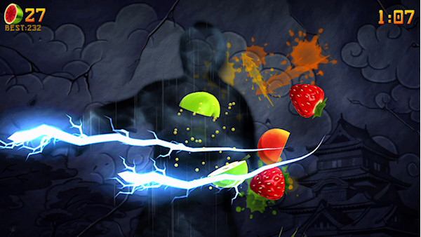 how to get critical strikes in fruit ninja